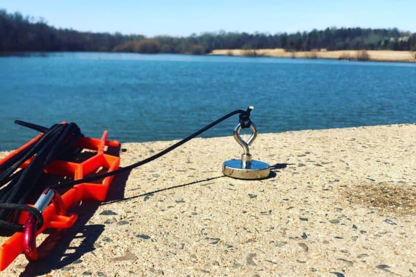 cheap fishing magnet